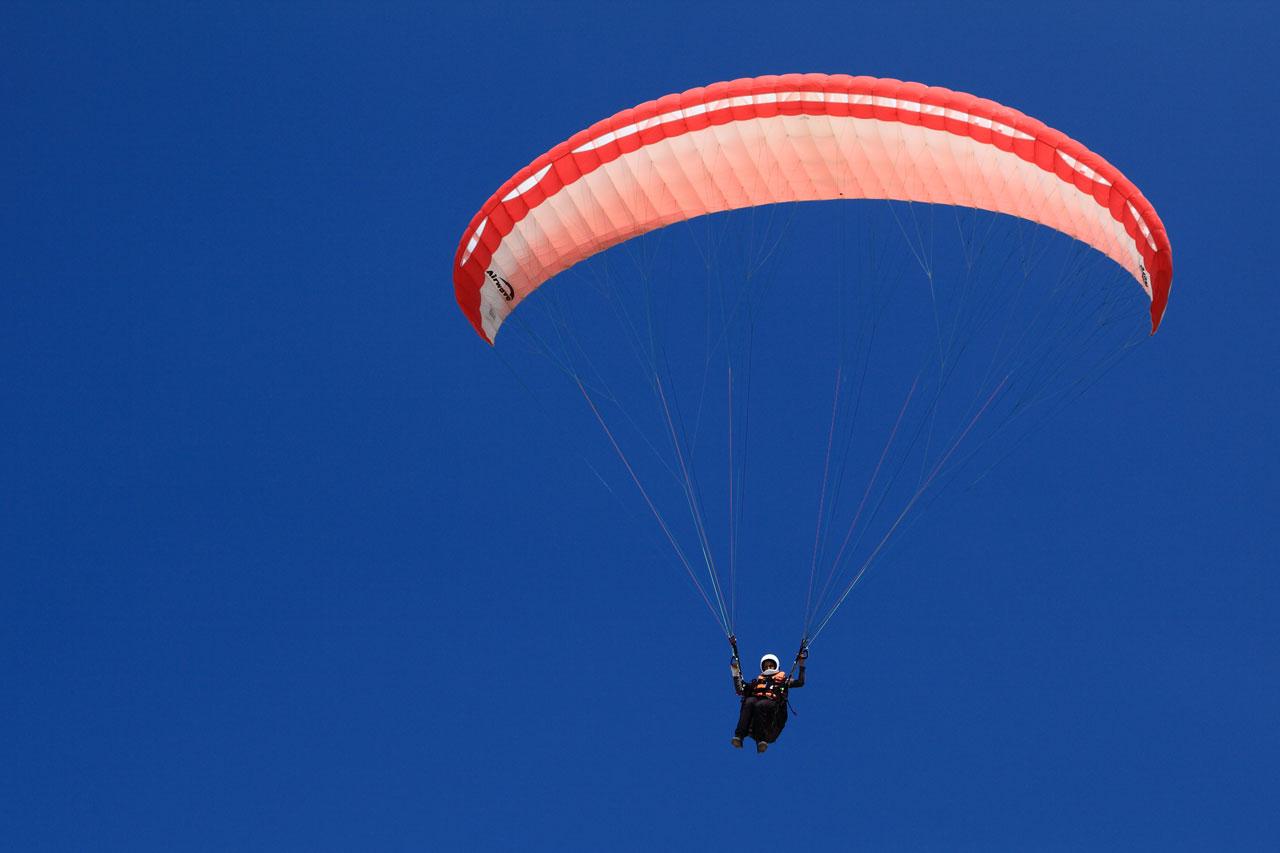 paragliding-11279634769TQP1